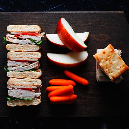 7._Sandwiches_Apples_Carrots_6x6